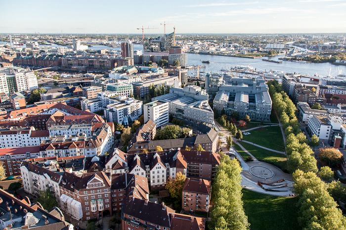 Hamburg Blick vom Turm der St.-Michaelis-Kirche (Michel) Elbe Elbphilharmonie HafenCity Hamburger Hafen Michelwiese Speicherstadt Verlagsgebäude Gruner + Jahr