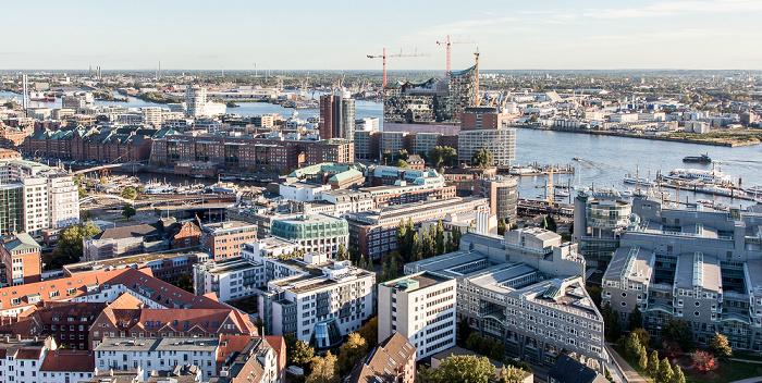 Hamburg Blick vom Turm der St.-Michaelis-Kirche (Michel): Speicherstadt / HafenCity mit Hanseatic Trade Center / Elbphilharmonie Elbe Hamburger Hafen Verlagsgebäude Gruner + Jahr