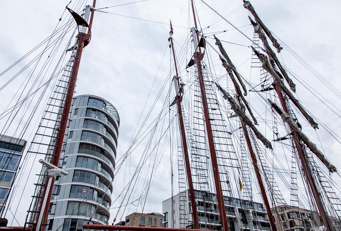 Hamburg HafenCity: Quartier Am Sandtorkai/Dalmannkai - Sandtorhafen (Traditionsschiffhafen) Hamburger Hafen Kaiserkai