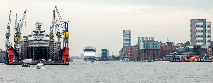 Hamburger Hafen mit der Werft Blohm + Voss, Elbe Hamburg