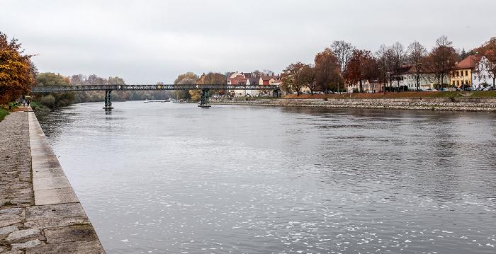 Weinlände, Donau, Eiserner Steg Regensburg