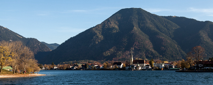 Tegernsee (See) Egerner Bucht (Obersee), Rottach-Egern mit St. Laurentius, Wallberg