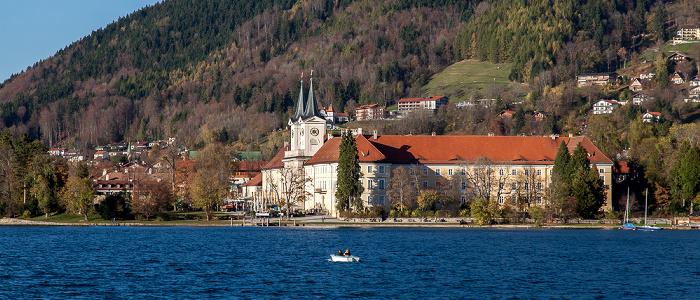 Tegernsee (See) Tegernsee mit dem ehem. Benediktinerkloster