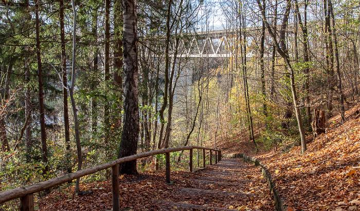 München Isarhochufer, Großhesseloher Brücke