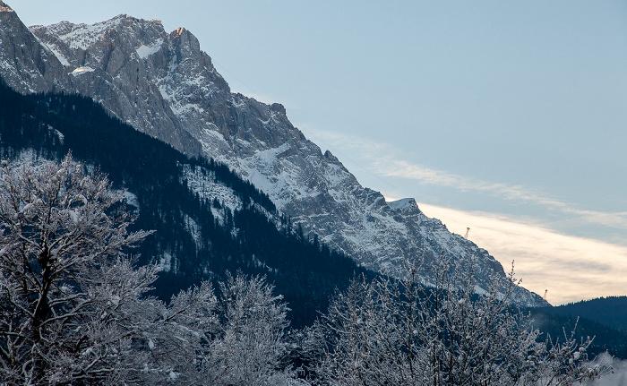 Grainau Blick aus dem Hotel Alpenhof: Wettersteingebirge - Zugspitze