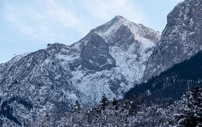 Grainau Blick aus dem Hotel Alpenhof: Wettersteingebirge - Kreuzeck und Alpsitze