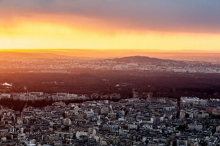 Blick vom Eiffelturm (Tour Eiffel): Bois de Boulogne und Mont Valérien Paris