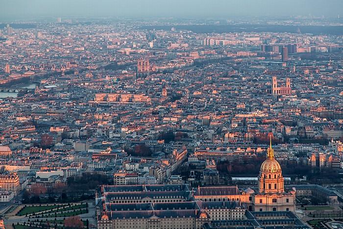Blick vom Eiffelturm (Tour Eiffel): Hôtel des Invalides und Invalidendom (Dôme des Invalides) Paris