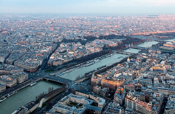 Blick vom Eiffelturm (Tour Eiffel): Seine Paris