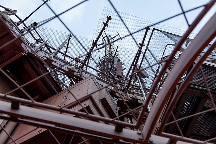 Eiffelturm (Tour Eiffel): Turmspitze mit Antennen Paris