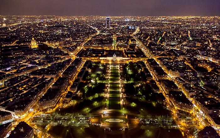 Blick vom Eiffelturm (Tour Eiffel): Marsfeld (Champ de Mars) Paris