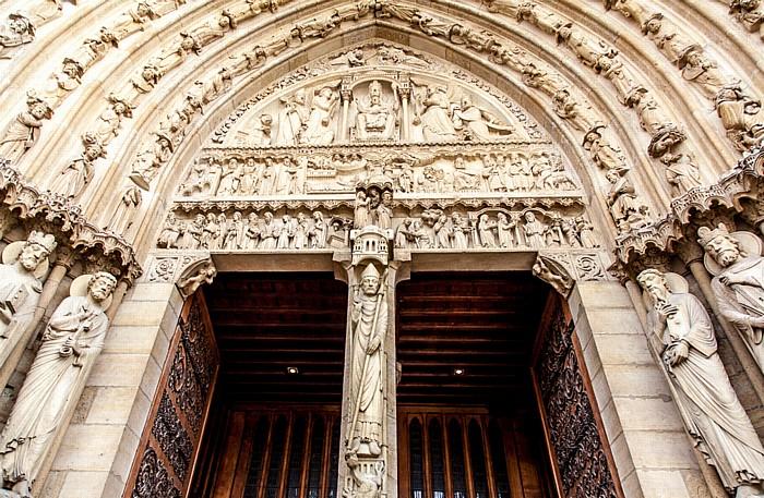 Île de la Cité: Notre-Dame de Paris -  Westfassade: Rechtes Portal