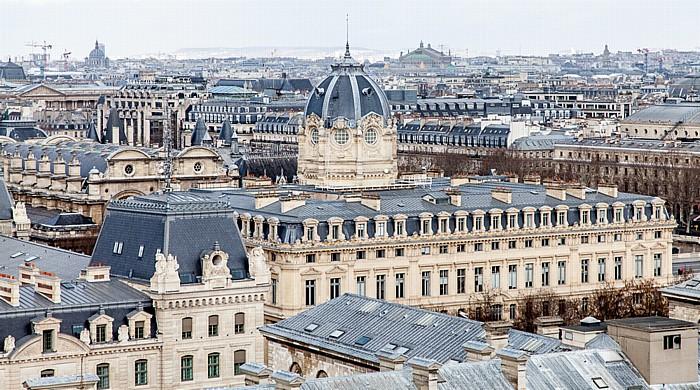 Blick von der Notre-Dame de Paris: Île de la Cité mit dem Tribunal de commerce (Handelsgericht) Église Saint-Augustin Opéra Garnier