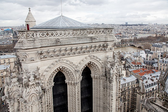 Notre-Dame de Paris: Nordturm Centre Pompidou Cimetière du Père-Lachaise Île de la Cité Pont Louis-Philippe Seine