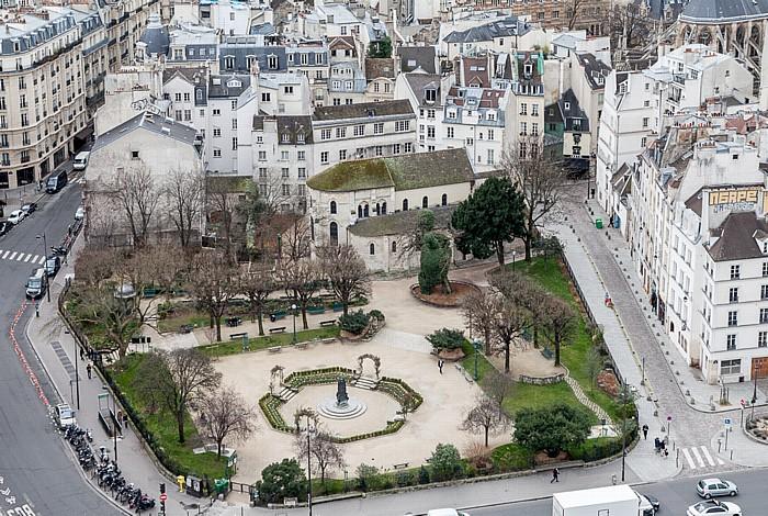 Blick von der Notre-Dame de Paris: Square René-Viviani mit der Église Saint-Julien-le-Pauvre