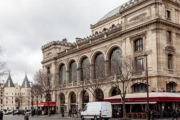 Place du Châtelet: Théâtre du Châtelet Paris 2014