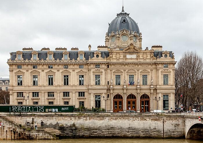Paris Île de la Cité: Greffe du Tribunal de Commerce Seine