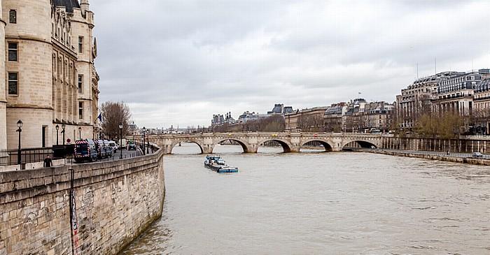 Île de la Cité, Seine, Pont Neuf Paris