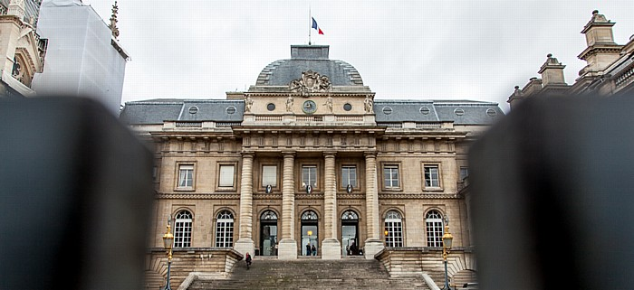 Île de la Cité: Palais de Justice Paris