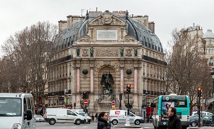 Paris Place Saint-Michel: Fontaine Saint-Michel