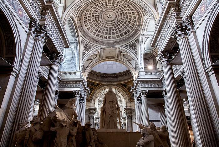 Panthéon: Innenraum und Kuppel Paris