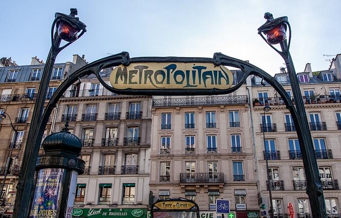 Paris Montmartre: Place de Clichy - Eingang zur Metrostation Place de Clichy