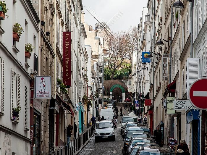 Paris Montmartre: Rue Tholozé Moulin de la Galette