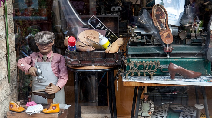 Paris Montmartre: Rue des Abbesses - Schuhwerkstatt