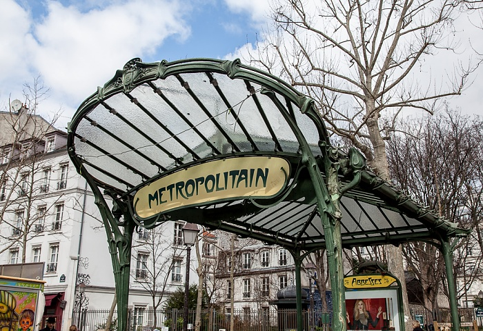 Paris Montmartre: Place des Abbesses - Eingang zur Metrostation Abbesses
