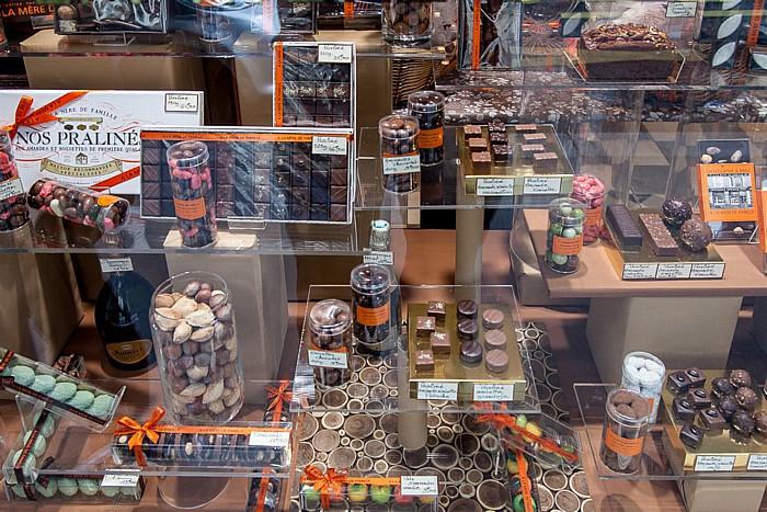 Paris Quartier Notre-Dame-des-Champs: Rue du Cherche-Midi - Pralinen und andere Süßigkeiten