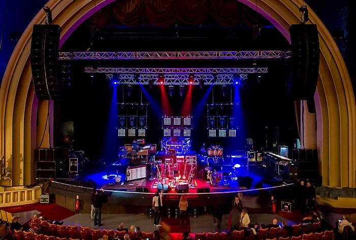 Paris Le Grand Rex: Die Bühne von Joe Bonamassa - Acoustic Set