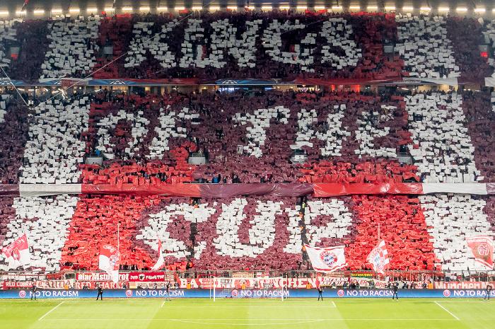 Allianz Arena: Fan-Choreografie vor dem Champions-League-Viertelfinale FC Bayern München - Manchester United