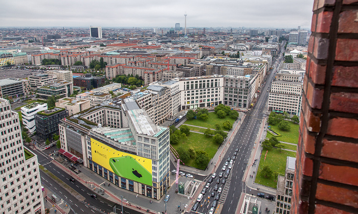 Berlin Blick vom Kollhoff-Tower: Leipziger Platz und Leipziger Straße Delbrück-Haus Ebertstraße Fernsehturm Internationales Handelszentrum