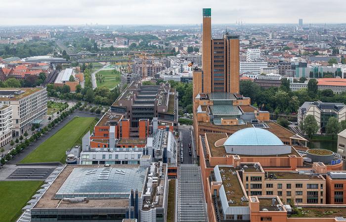 Blick vom Kollhoff-Tower: Quartier Daimler mit Atrium Tower (ehem. debis-Haus) Berlin 2014
