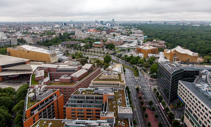 Blick vom Kollhoff-Tower: Quartier Daimler (links), Kulturforum (oben) und Potsdamer Straße. Berlin 2014