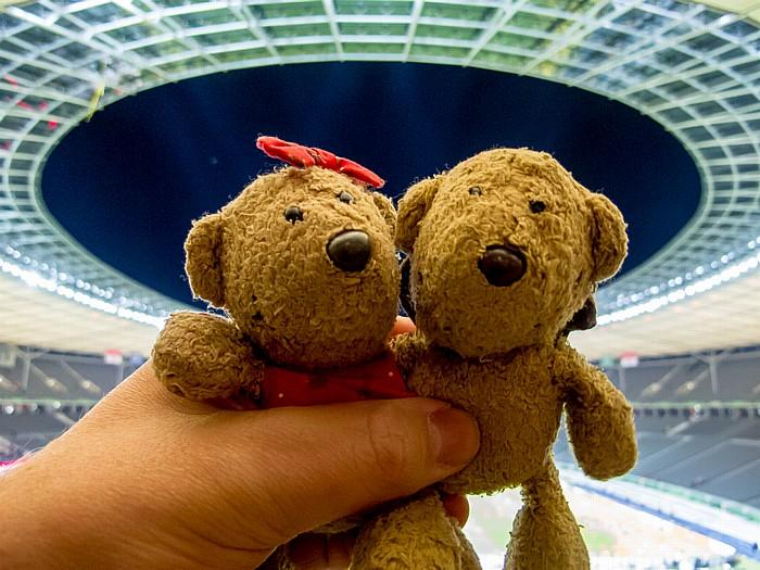 Berlin Olympiastadion: Teddine und Teddy