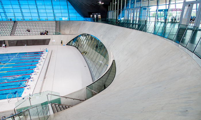 Queen Elizabeth Olympic Park: London Aquatics Centre