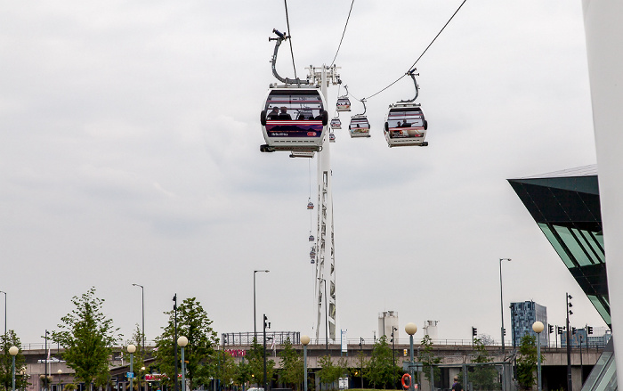 London Royal Docks: Emirates Air Line (Thames cable car)