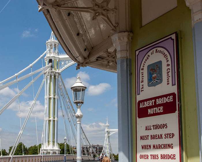 London Albert Bridge: Warnung an Truppen