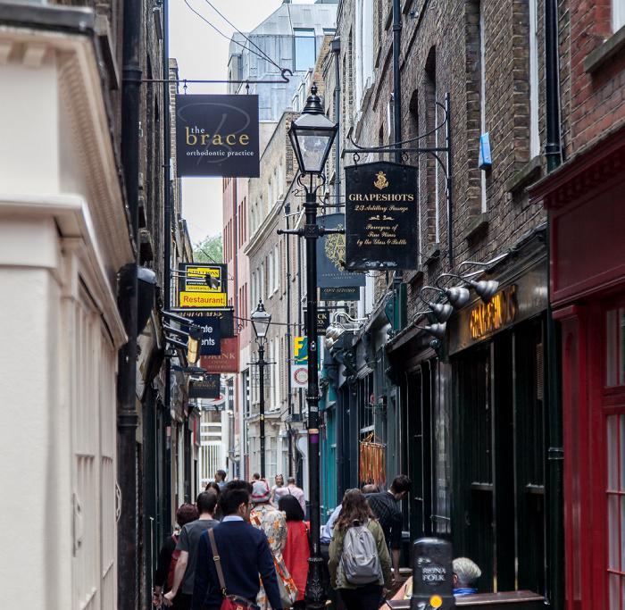 Spitalfields: Artillery Passage London