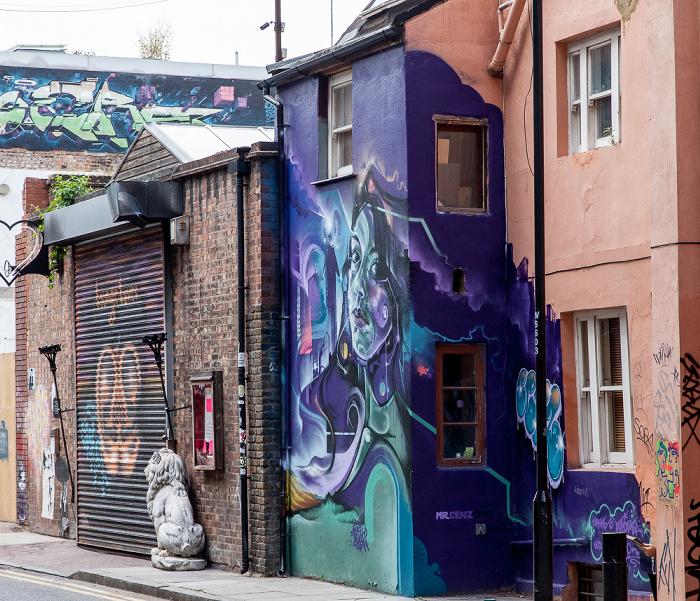 London Shoreditch: Whitby Street - Graffiti