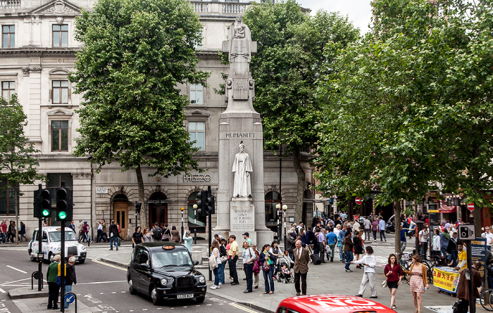 St Martin's Place: Edith Cavell Memorial London