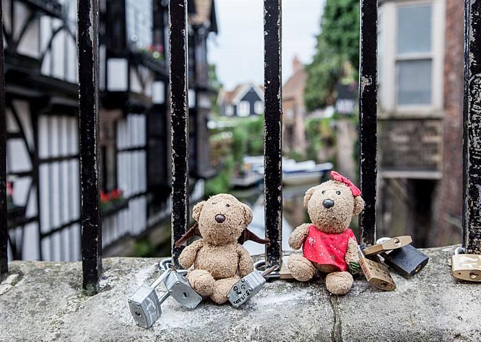 Canterbury St Peter's Street: Teddy und Teddine Great Stour