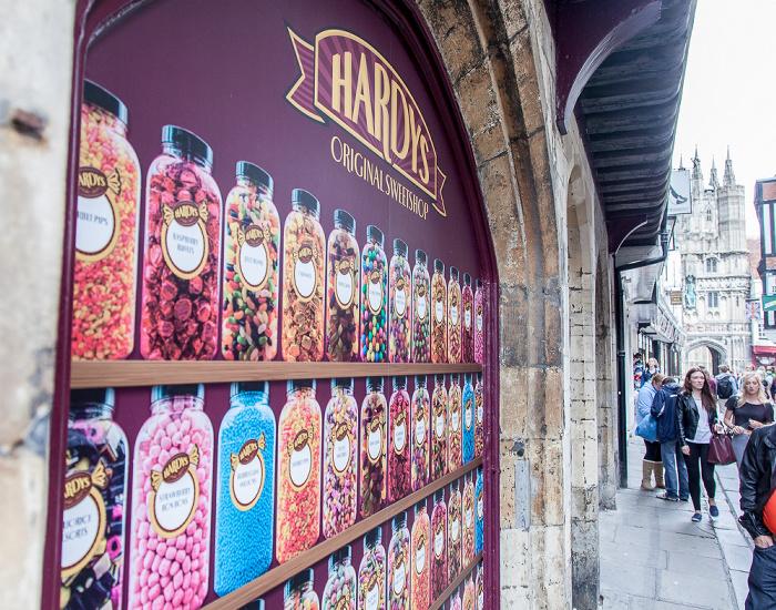 Canterbury High Street / Mercery Lane: Hardys Original Sweetshop