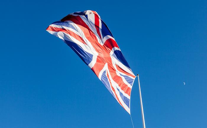 Eastbourne Seafront: Union Jack - die Nationalflagge des Vereinigten Königreichs Großbritannien und Nordirland