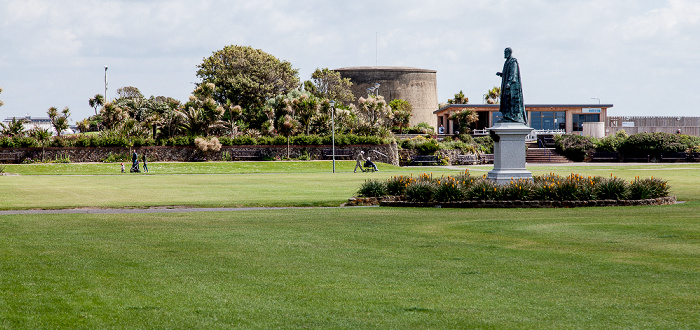 Eastbourne Seafront: Western Lawns