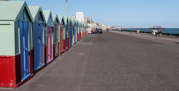 Brighton Hove: Strandhäuschen Brighton Pier West Pier