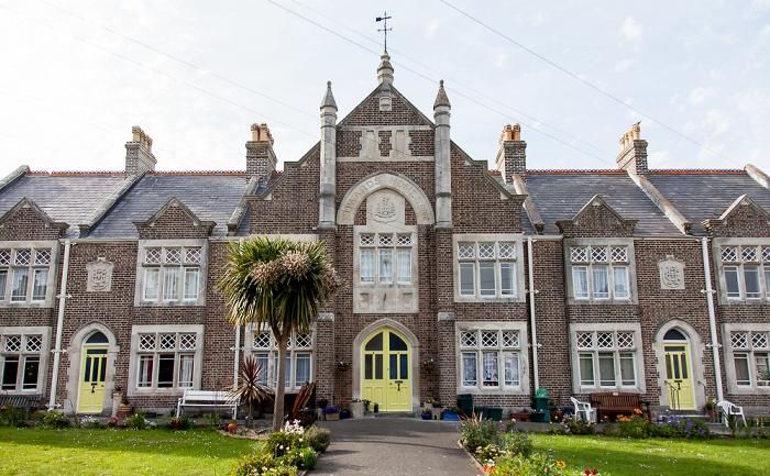 Weymouth Chapelhay: Rodwell Avenue