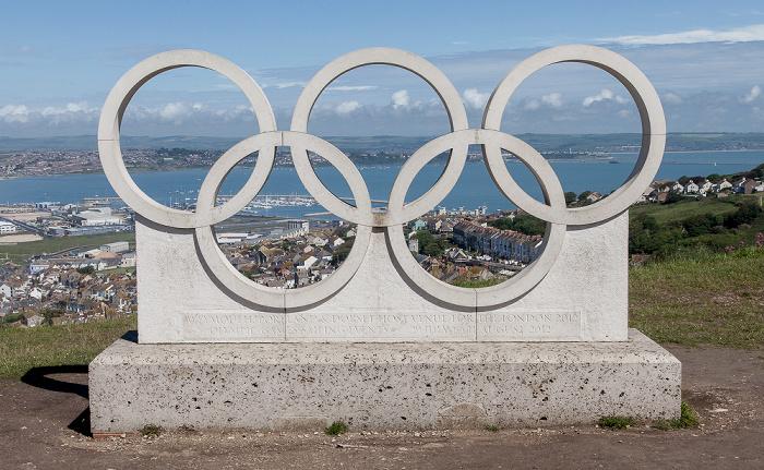 Isle of Portland Olympische Ringe zur Erinnerung an die Segelwettbewerbe der XXX. Olympischen Sommerspiele Portland Harbour