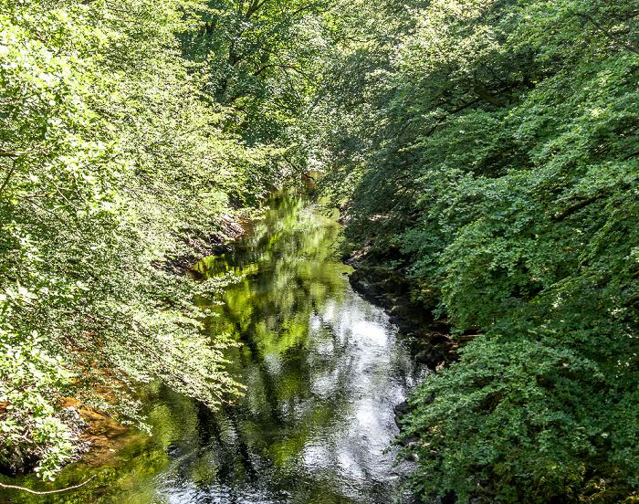 Dartmoor National Park Dartmoor: Blick von der Holne Bridge auf den River Dart